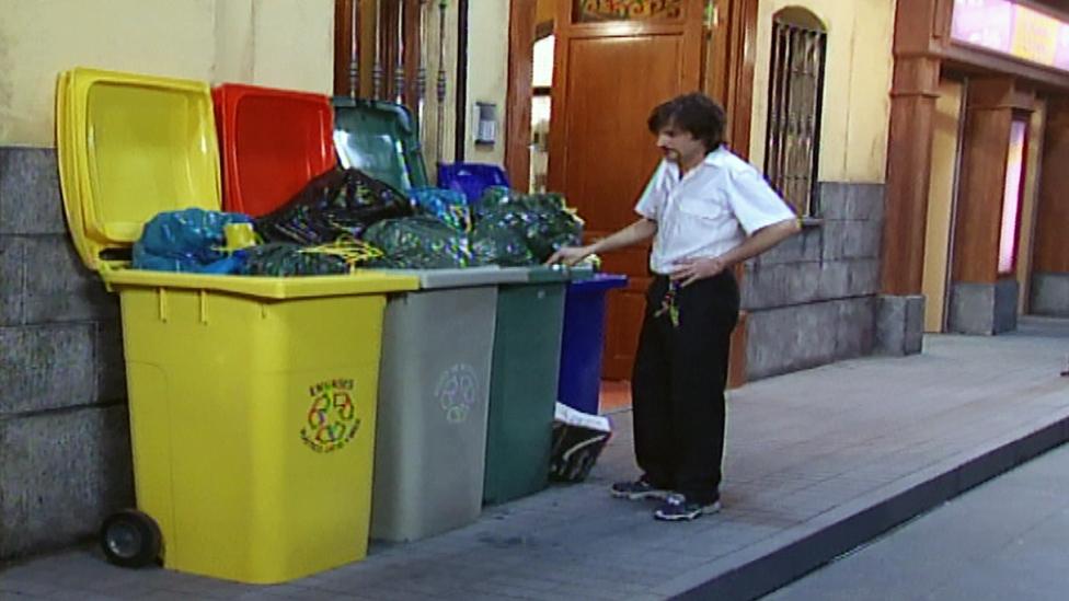 Aquí No Hay Quien Viva 1 03 Anhqv Capítulo 3 érase El Reciclaje Completo Erase Un Reciclaje Anhqv Aquí No Hay Quien Viva